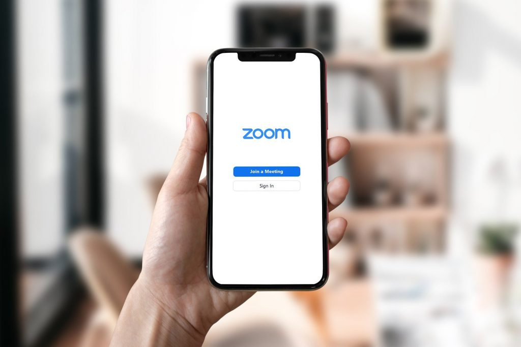 mobile phone with zoom